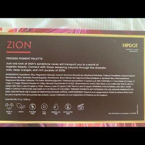 Sephora Makeup - Brand New Zion Eyeshadow Pallette